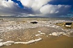 Porthaw Beach (by Longshanks100)