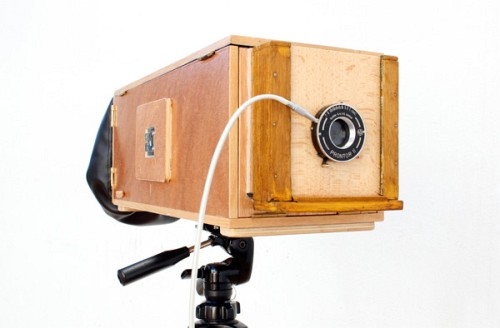 Build Guide: A Modern Old Camera That Eats Photo Paper<br />