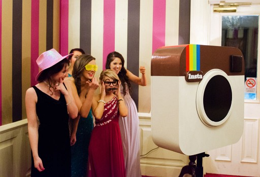 This Photobooth That Looks Like Instagram Is Just As Trendy