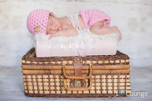 Christmass Intro - DIY Newborn Photography Tips