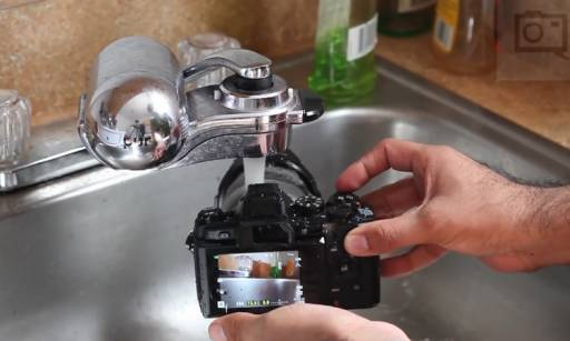 Watch The Olympus OMD EM1 Operates Under Running Water