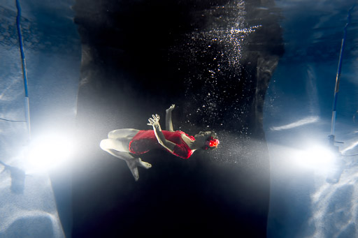 underwater fashion photography jp danko toronto commercial photographer
