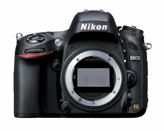 Nikon D600 - Front