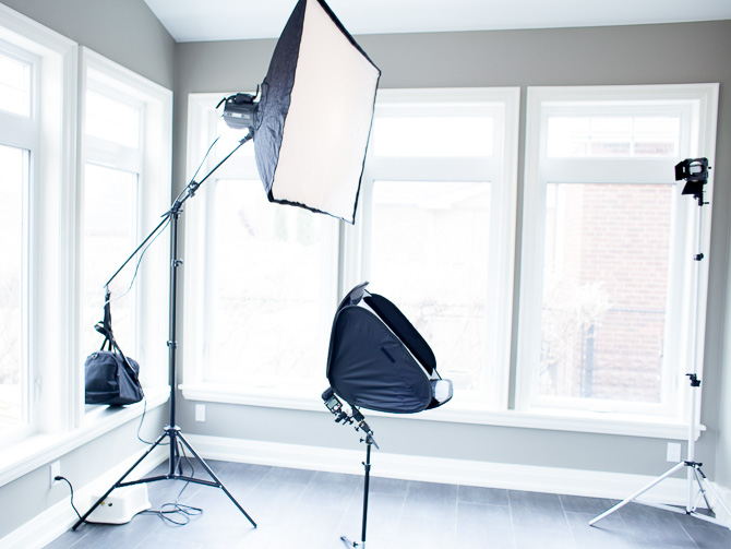 how to set up clam shell glamor lighting for beautiful portraits of women jp danko toronto commercial photographer