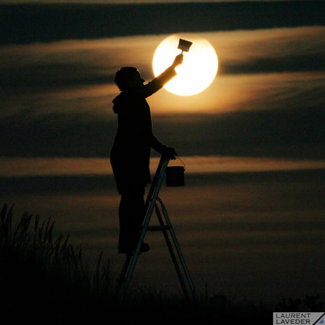 Sabine peint la Lune