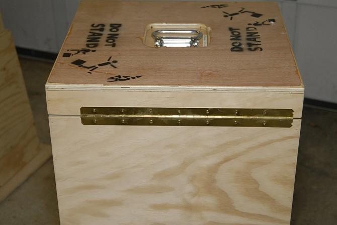 diy-equipment-case-7- Piano_Hinge