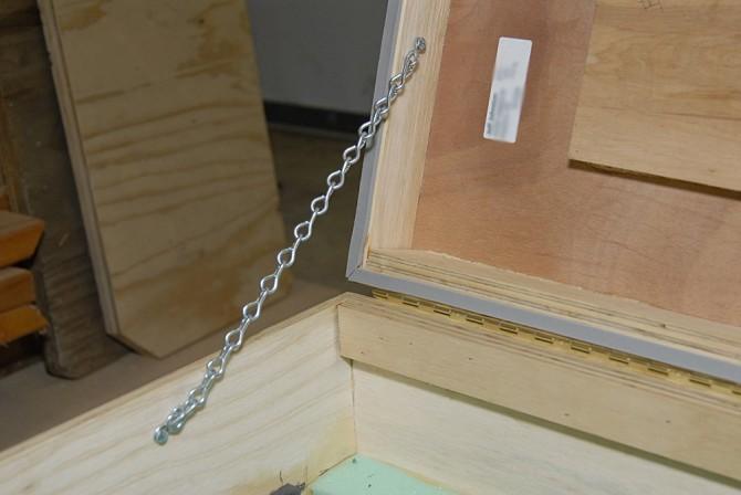 diy-equipment-case-8- Chain_Support