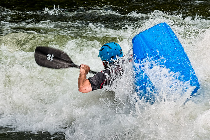 white water kayaking photos photography jp danko blurmedia extreme sport commercial photographer toronto