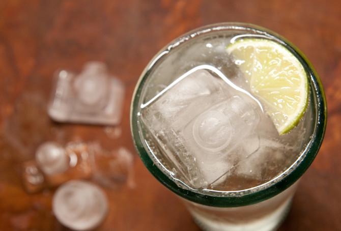 camera-ice-cubes-04