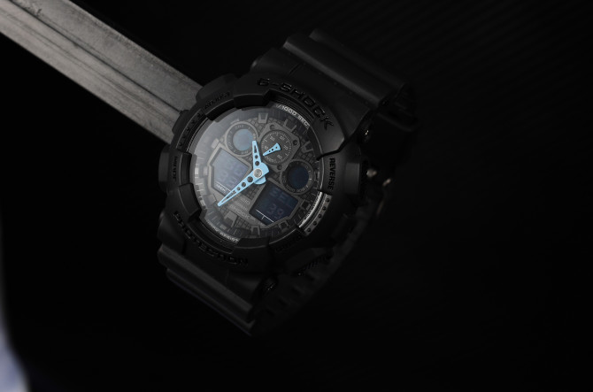 watch 2 light
