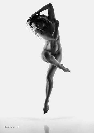 Model: Ella Rose Muse; Photographer: britalicus