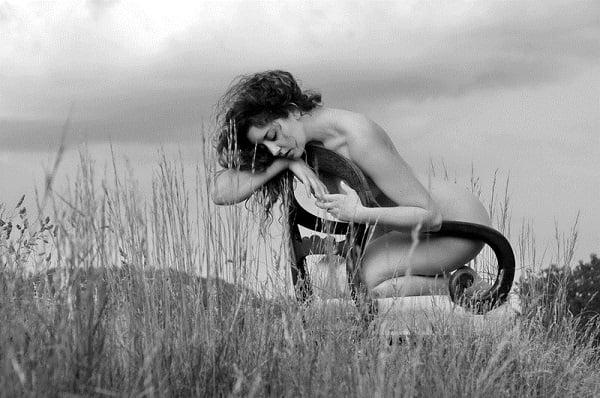 Model: Ella Rose Muse; Photographer: Karen Jones