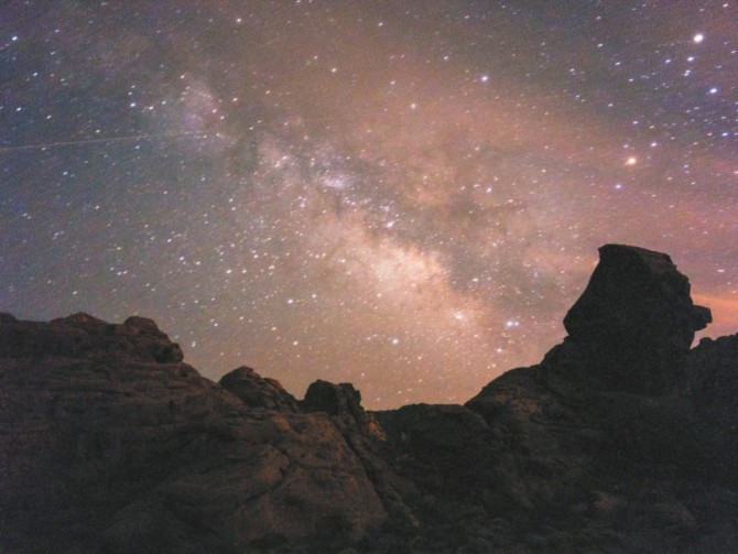 Milky Way from Valley of Fire, NV, OnePlus One, 64s, f/2, ISO 3200, stack of 4 jpegs