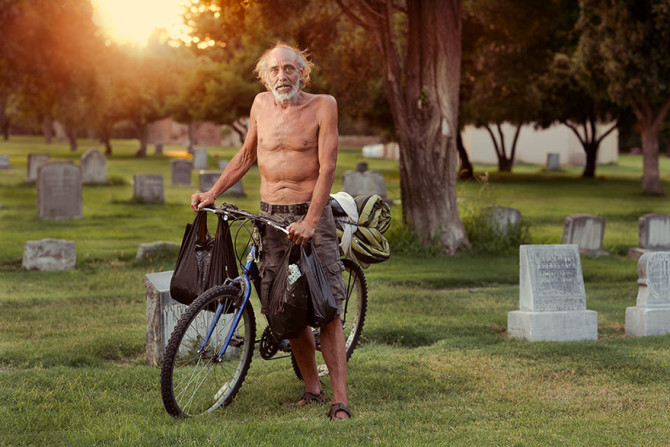lighting-homeless-people-portraits-underexposed-aaron-draper-15