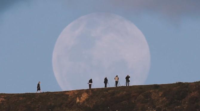 photographers-moonrise