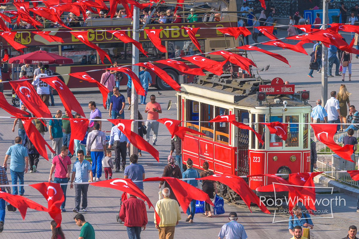 Rob-Taksim Square Track Tram Loop