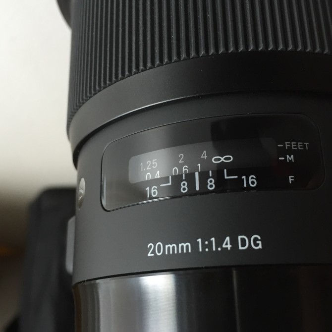 Depth of field scale of the Sigma 20mm f1.4 Art lens.