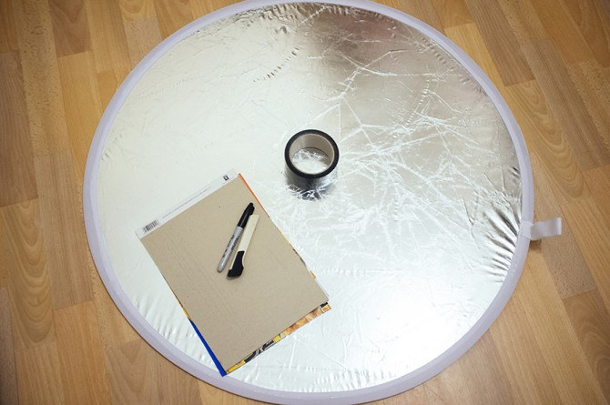 Time to get crafty. A pen, a cutting mat and a craft knife and you're ready to make the cheapest ring-light ever.