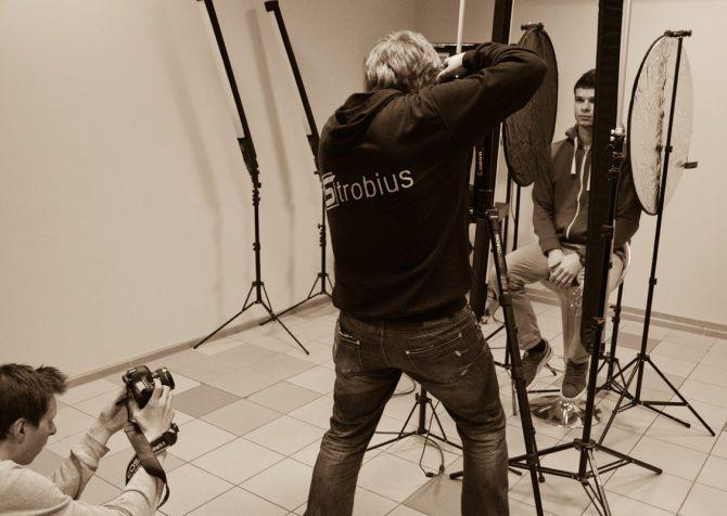 Strobistrip-150-StrobiStrip-Esquire-backstage