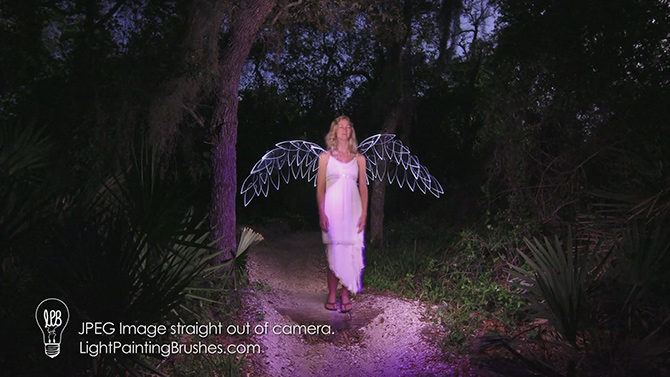 light_painting_wings_example