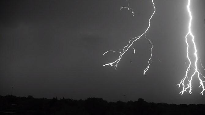 lightning_001