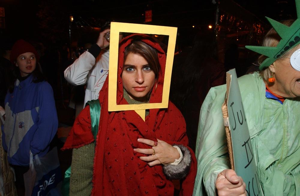 Greenwich Village Halloween Parade 2002. Photo by Allen Murabayashi