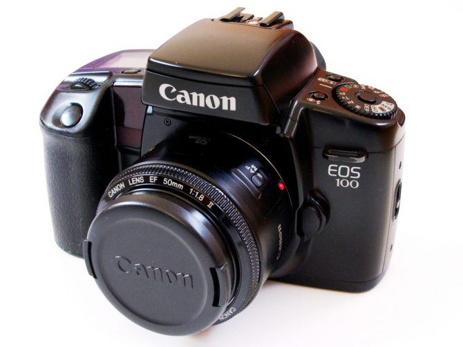 EOS 100 – Photo by ML5 on Wikipedia