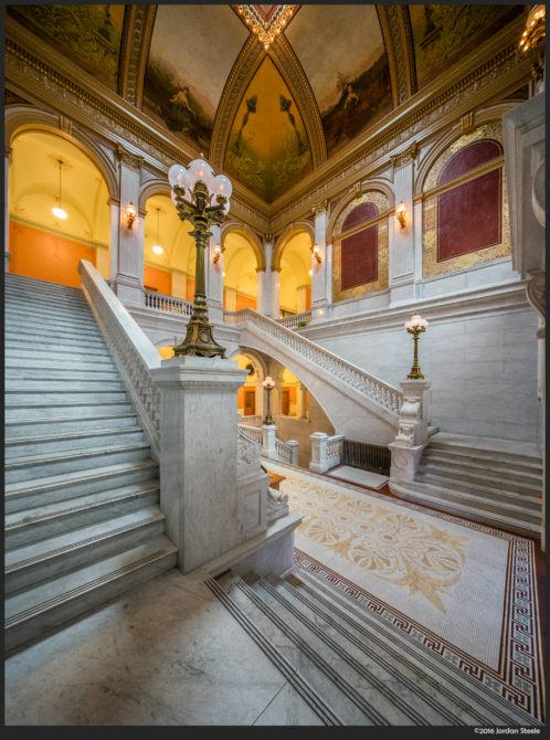 Statehouse Staircase – Sony A7 II with Voigtländer 10mm f/5.6 @ f/8