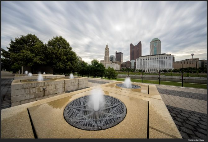 Columbus Fountain – Sony A7 II with Voigtländer 10mm f/5.6 @ f/11 (stack of 32 exposures with Smooth Reflections app)