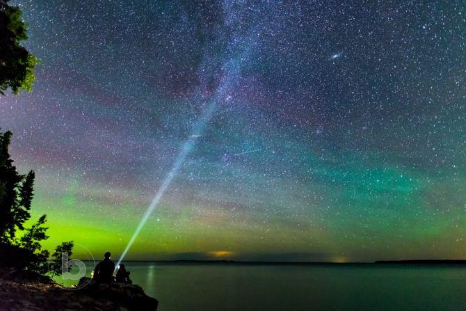 persedes meteor shower milkyway northern lights