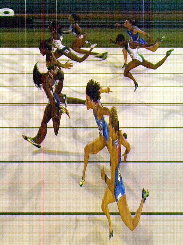 Gail Devers beats Merlene Ottey at the 1996 Atalanta Olympics with a photo finish.