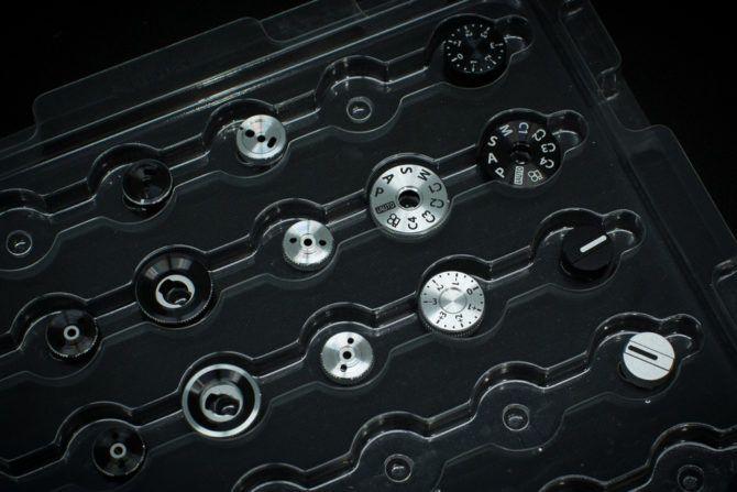 The PEN-F's dials are made from aluminium - ©2016 Senzo