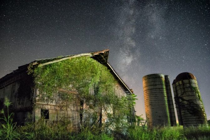 A nearby street light provided the lighting of this barn and silo. This shot was taken at ISO 3200, f/2.8, 15 secs.