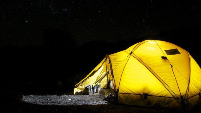 camping_under_stars