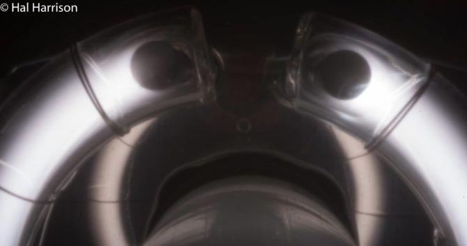 flash-tube-pinhole-04