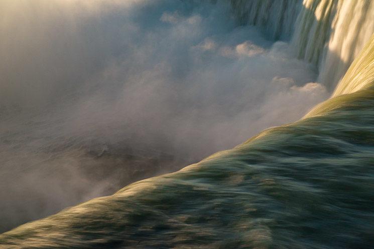 Horseshoe Falls - Niagara Falls at Dawn