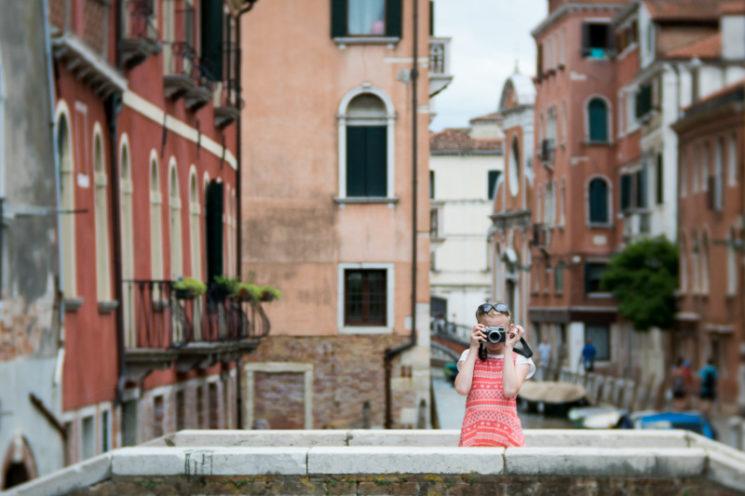 Lensbaby Velvet 85mm Review Nikon Mount - Girl In Venice